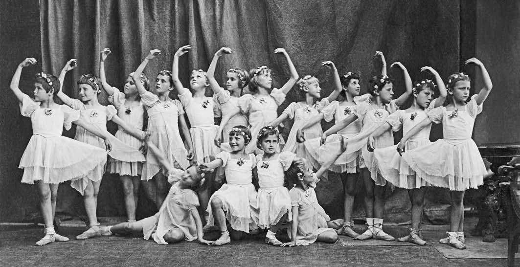 Выступление-в-учебном-театре-ЛХУ-в-начале-1943-года