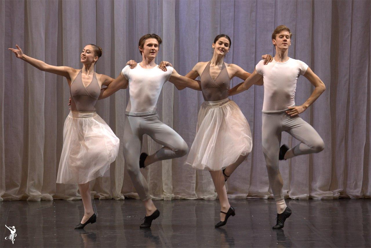 http://vaganovaacademy.ru/vaganova/news/photo/2017.05.11_Hermitage_theatre/Hungarian_rapsody-1.jpg