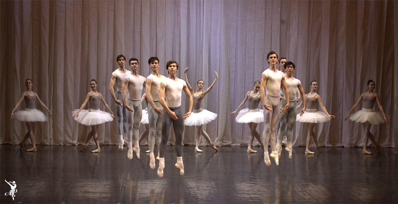 http://www.vaganovaacademy.ru/vaganova/news/photo/2017.05.11_Hermitage_theatre/Lavrovsky-2.jpg
