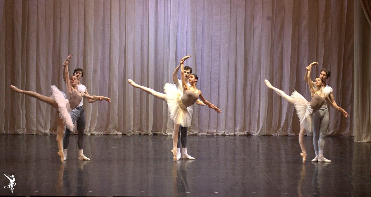 http://www.vaganovaacademy.ru/vaganova/news/photo/2017.05.11_Hermitage_theatre/Lavrovsky-6.jpg
