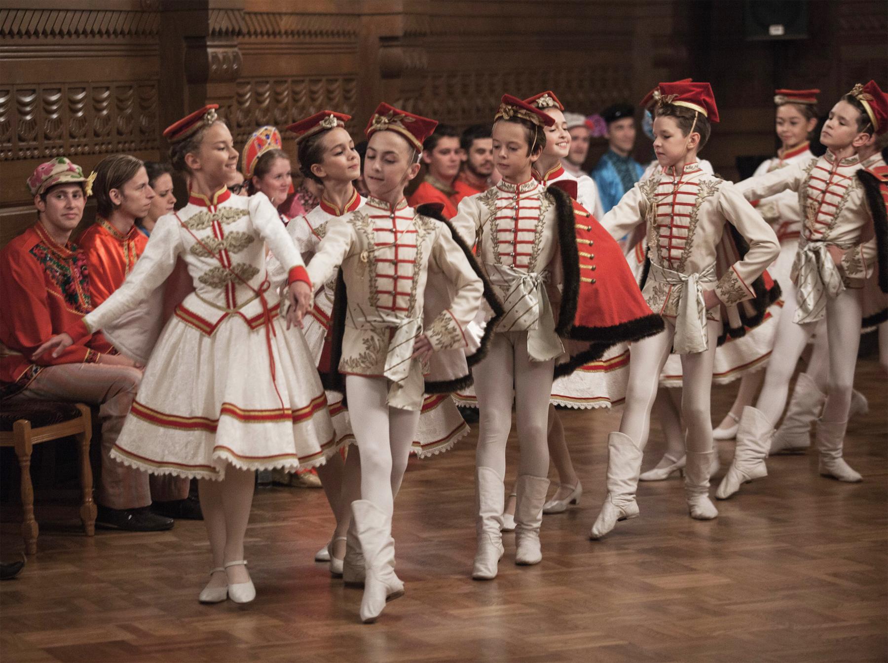 http://vaganovaacademy.ru/vaganova/news/photo/2017.09.22_Dom_uchenyh/dom-uchenyh-2.jpg