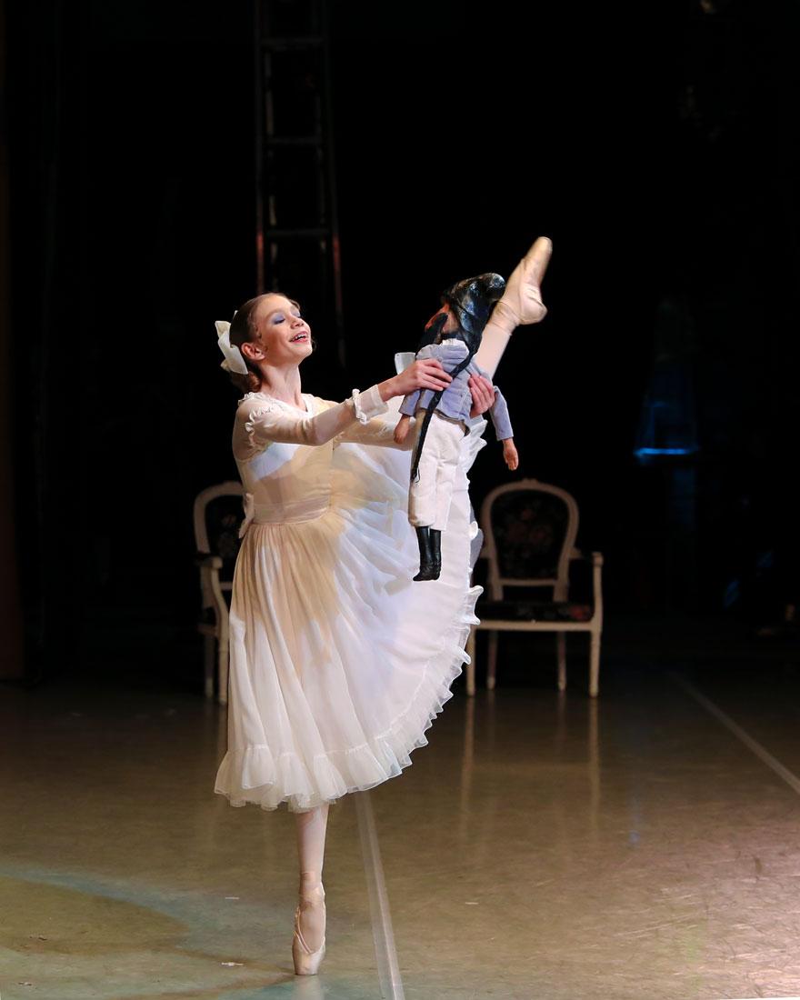 http://vaganovaacademy.ru/vaganova/news/photo/2018.12.19-26_Schelkunchiki/Sofia_Romanovich.jpg